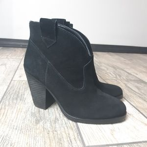 Vince Camuto Hadrien Heeled Ankle Boot